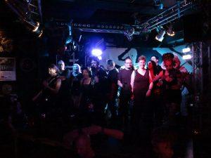 Crüxshadows - Fans mit auf der Bühne